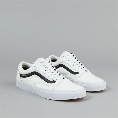 Vans Skool Blackl White Jual Vans Oldskool vans skool zip shoes premium leather true white flatspot