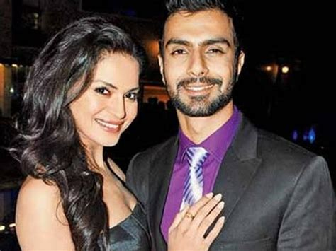 veena malik and ashmit patel wedding bigg couples who parted ways after the show