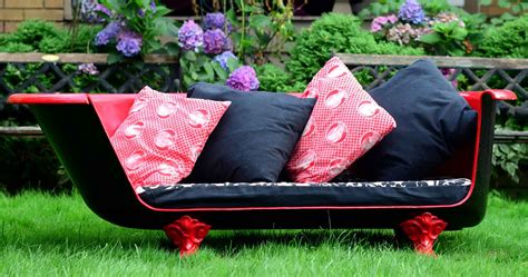 clawfoot tub made into sofa how to make an upcycled vintage cast iron claw foot
