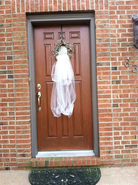 Bridal veil door decoration.   Ideas   Bridal shower