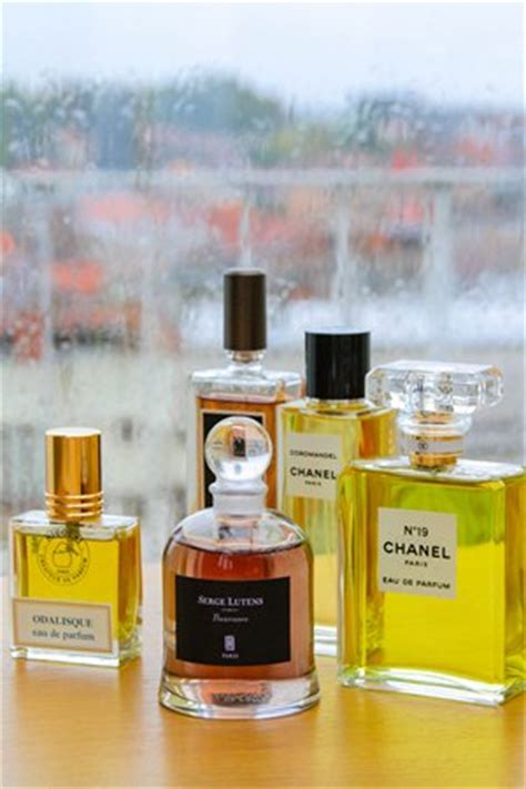 the fragrance wardrobe article in magazine 171 bois
