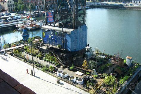 floating vegetable garden 町のシンボルを残したい 廃船を鮮やかな都市菜園に変えたベルギーの職人集団 time circus greenz