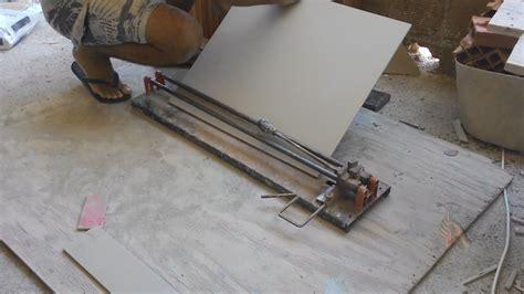 como cortar porcelanato  riscadeira ou cortador de