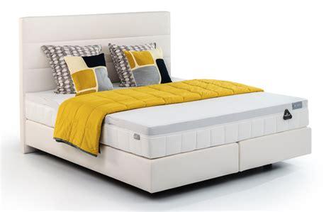 Matras Bed Guhdo Nomor 1 Bed Excellence En Hoofdbord Canvas In Stof Leatherlook White Met Geltex 174 Inside Matras Gi6