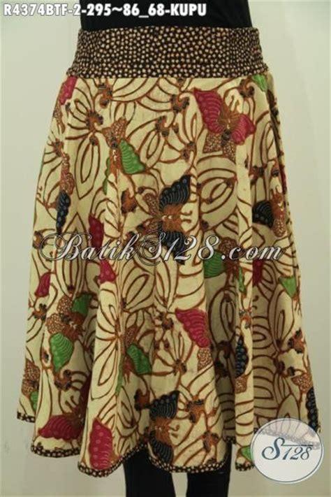 desain rok batik pendek rok batik model pendek dengan motif kupu kupu desain