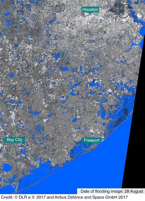 maps houston  texas flooding bbc news