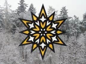 Kostenlose Vorlage Weihnachtssterne Fensterbilder Quot Sterne Quot Bastelvorlagen Mit Anleitung