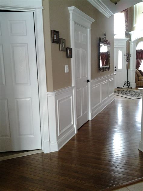 Wainscoting Molding Trim by Decor Wainscoting Pictures Is A Stylish Way To Add