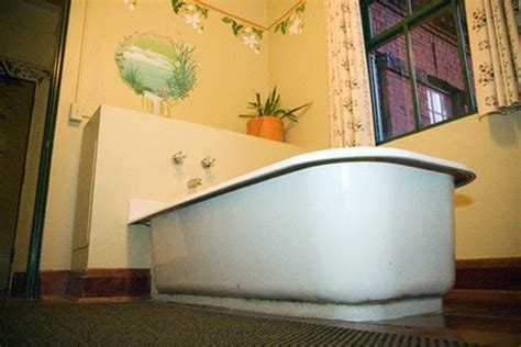 How to Install a Bathtub on a Cement Floor   Hunker