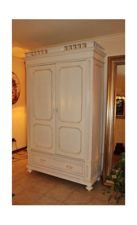 armadio in offerta armadio a due ante in legno antico in offerta al 35 di