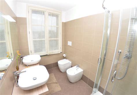 europäisches badezimmer toskana ferienhaus toskana pool eingez 228 unter garten meern 228 he