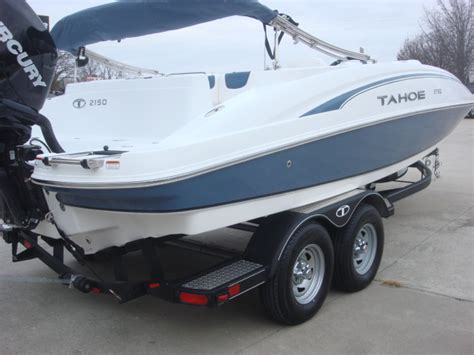 tahoe boat reviews tahoe 2150 deck boats new in warsaw mo us boattest