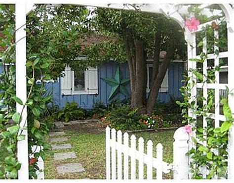 Tybee Island Cottages For Sale by Blue Cottage On Tybee Island For Sale