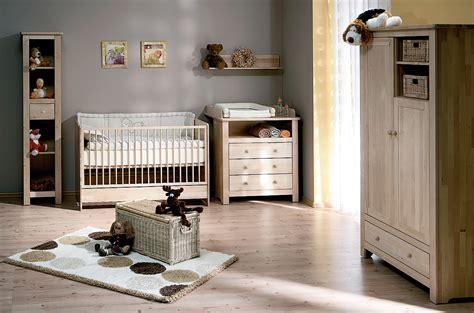 chambre bébé en bois massif chambre en bois massif