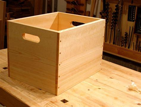 dans shop wooden box  wooden flutes