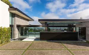 luxury living ultra contemporary homes christie s luxury contemporary home by trevor euley canada amazing