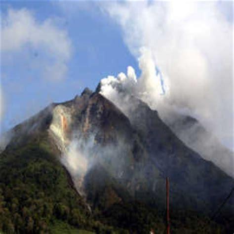 gambar gunung gunung sinabung jpg gunung sinabung meletus harga sayur naik