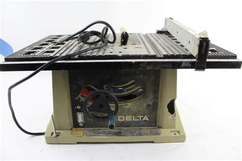 delta 10 inch bench saw delta shopmaster 10 quot bench saw property room