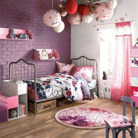Charmant Idee Deco Chambre Fille Ado #1: 3-conforama-chambre-fille-parquet-en-bois-briques-violette-deco-mur-chambre-ado-fille.jpg