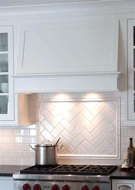 subway tile backsplash design herringbone tile design w border rangehood pinterest