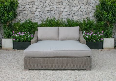patio furniture daybed patio day bed outdoor canopy daybed patio furniture wicker white cushion pool deck lounger
