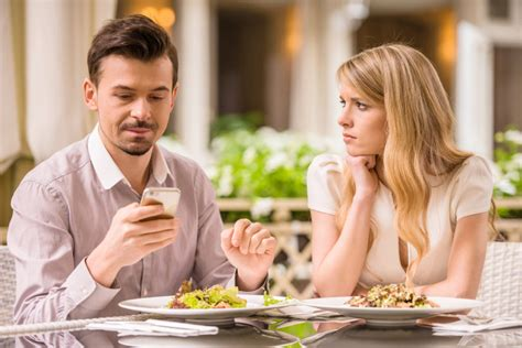 bengali talking on phone with boyfriend 2015 are smartphones affecting your relationship researchers