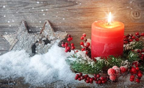 candela natalizia candele natalizie idee semplici per decorere la casa leitv