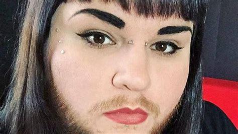 la femme qui ne 9782709661836 apr 232 s avoir trouv 233 l amour une femme 224 barbe arr 234 te de se raser tous les jours photos