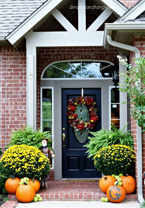 outside fall decorating ideas pictures outdoor fall decorating ideas dimples and tangles