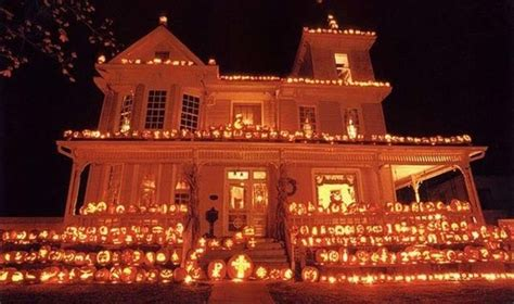 homes decorated for halloween use pumpkins to decorate your house for halloween