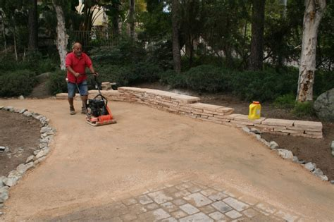 the 2 minute gardener photo decomposed granite dg pathway construction