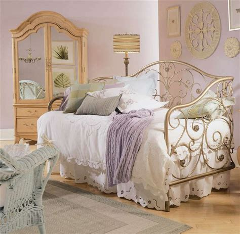 vintage bedrooms deluxe vintage bedroom decor ideas great master bed near
