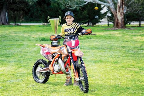 junior motocross racing tyabb motocross junior racing through the ranks mpnews