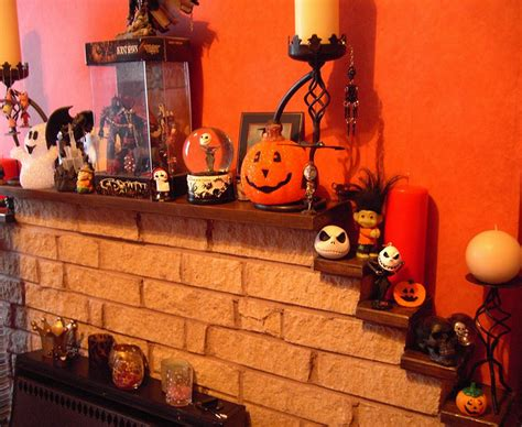 50 great halloween mantel decorating ideas digsdigs 50 great halloween mantel decorating ideas digsdigs