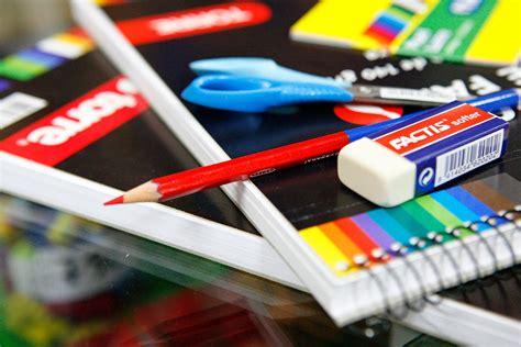 imagenes materias escolares aprueba tu lista de 250 tiles escolares peri 243 dico tiempo