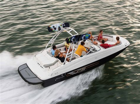 bayliner deck boat for sale uk bayliner 215 deck boat bayliner deck boat sales