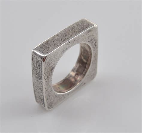 9 7g solid silver modern square sterling ring size 7