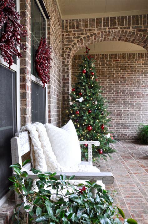 last minute christmas porch decor ideas hgtv s 100 porch decorations last minute christmas porch
