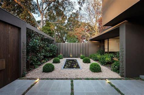 Bien jardin mineral #1: creer-un-jardin-zen-petit-espace-exterieur.jpg