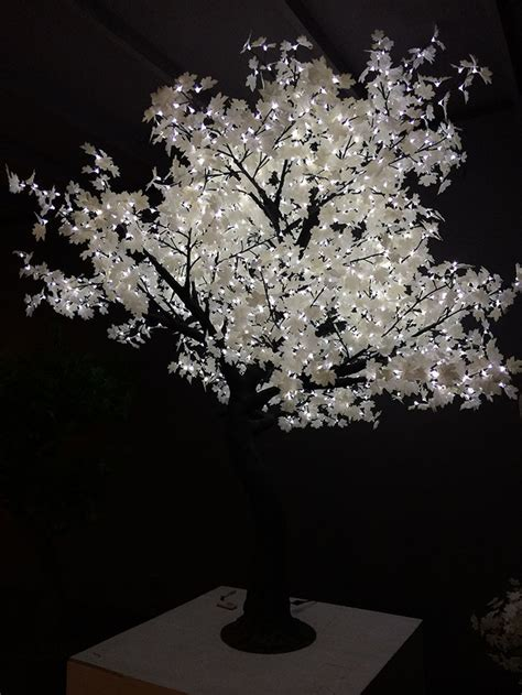 Artificial Trunk White Maple Tree For Christmas Decoration White Lighted Trees