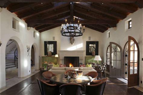 Klia Top E Covering Story colonial hacienda california