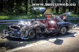 Mercedes Crash Sixt Br 252 Der Unfall In Mercedes 300 Sl Gullwing Mercedes
