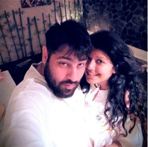 Badshah Singer Wife | badshah blessed with a baby girl see his daughter s first