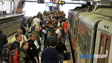 orari treni porta garibaldi circumvesuviana ancora disagi problemi alla stazione di