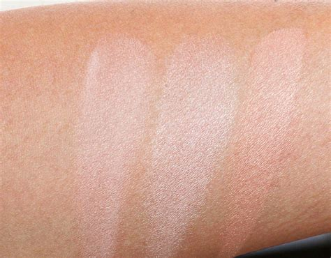 hourglass ambient lighting powder swatches the hourglass ambient lighting powders light the way