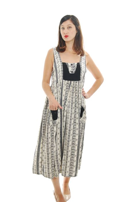 black and white detailed vintage dress for 1970s