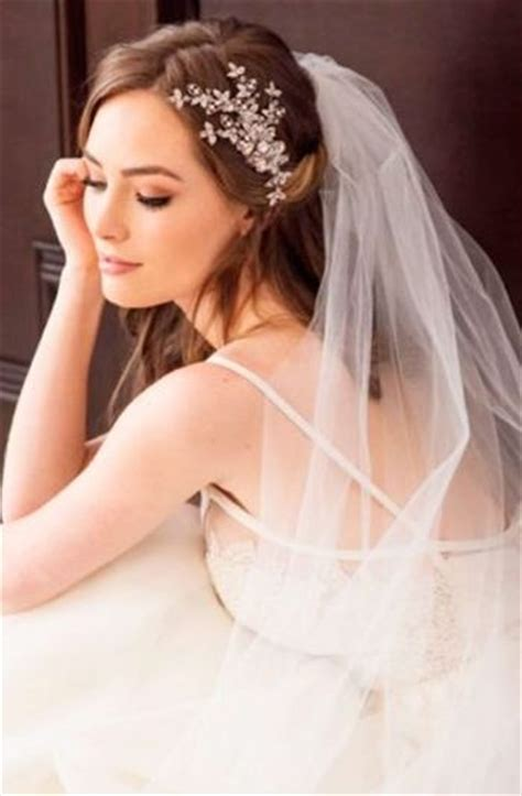 Wedding Hair Up Styles With Veil by 37 Half Up Half Wedding Hairstyles Anyone Would