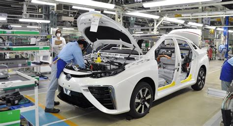 toyota in japan toyota starts building mirai in japan shares quot how it s