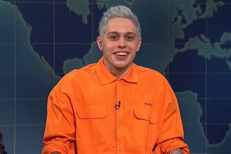 pete davidson update snl snl pete davidson acknowledges breakup with ariana grande