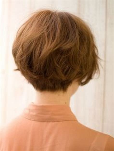 back view of wedge haircut styles layered feathered hairstyles on pinterest in feathered bob